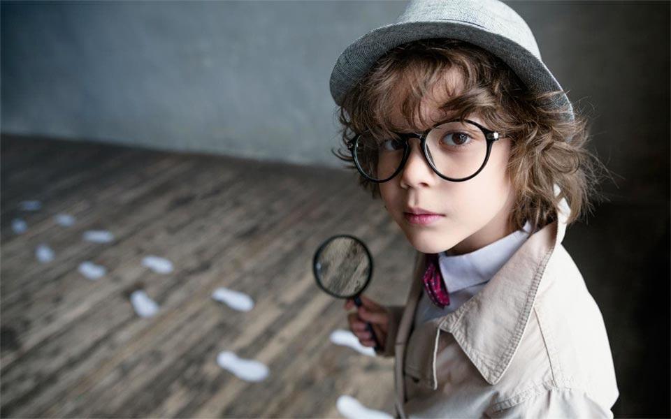 bambino investigatore